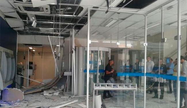 Área dos caixas eletrônicos foi danificada - Foto: Iloma Sales | Ag. A TARDE