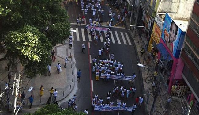 Caminhada partiu do Campo Grande e seguiu até a Praça Castro Alves - Foto: Ana Virgínia Vilalva | foto internauta