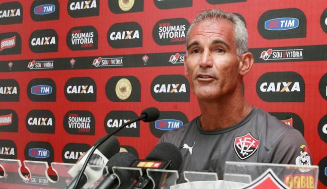 Sem definição, Carlos Amadeu treina o Leão interinamente - Foto: Luciano da Matta | Ag. A TARDE