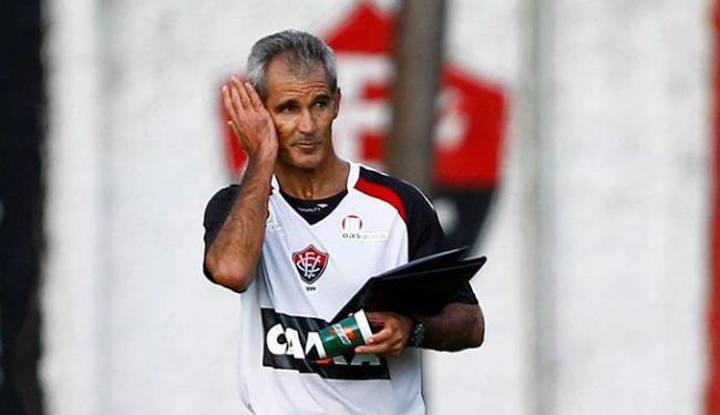 Carlos Amadeu continua comandando o time interinamente - Foto: Eduardo Martins   Ag. A TARDE