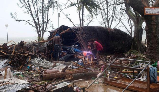 Ciclone tropical Pam provocou destruição com a intensa chuva e ventos fortes - Foto: Agência AP