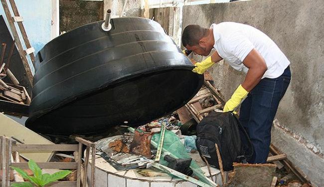 Acúmulo de entulho é um ambiente propício à proliferação do mosquito da dengue - Foto: Divulgação l SMS