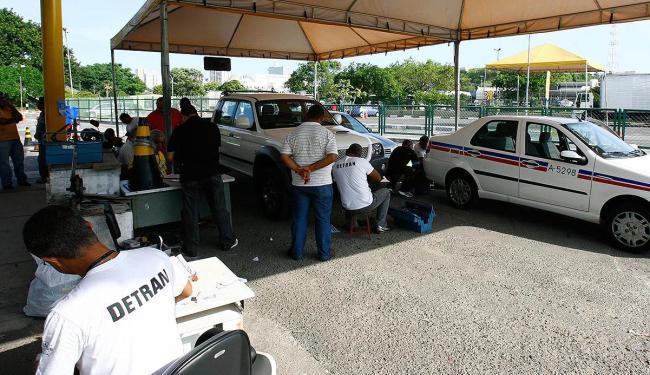 Setor de vistorias no Detran-BA: demanda de veículos em alta - Foto: Fernando Amorim   Ag. A TARDE