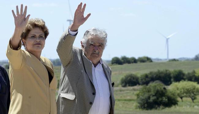 Dilma e Pepe Mujica durante a inauguração do parque eólico em Tarariras - Foto: Agência Reuters