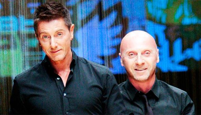 O estilitas italianos Domenico Dolce (dir.) e Stefano Gabbana criaram polêmica - Foto: Agência Reuters