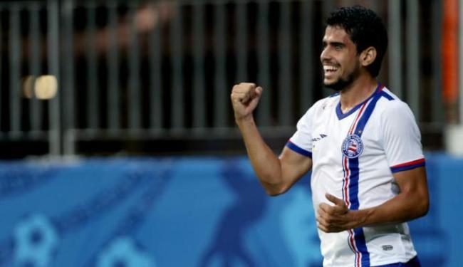 Zé Roberto comemora gol em jogo na Fonte Nova - Foto: Felipe Oliveira / EC Bahia / Divulgação