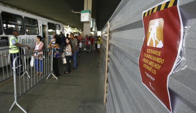 Estação Pirajá passa por obras para a integração - Foto: Raul Spinassé | Ag. A TARDE | 04.03.2015