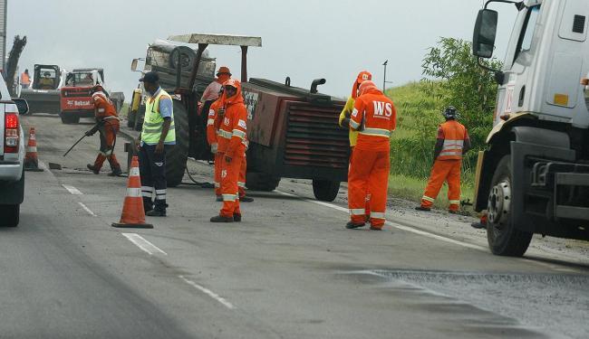 Obras em dois trechos devem interditar uma faixa da rodovia - Foto: Marco Aurélio Martins | Ag. A TARDE