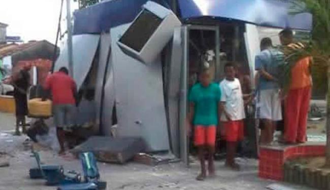 Agência bancária ficou completamente destruída com a explosão - Foto: Reprodução: Criativa Online