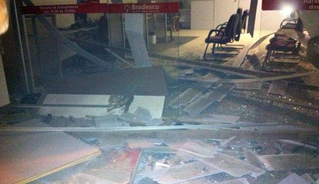 Agências ficaram completamente destruídas - Foto: Reprodução | Site Notícia Livre