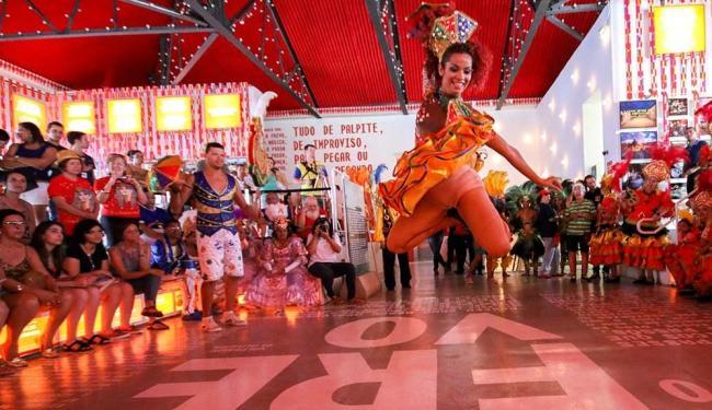 Apresentação no Paço do Frevo é marca registrada de Recife - Foto: Clelio Tomaz | Divulgação