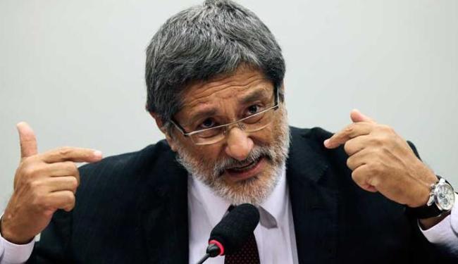 Vive-se o risco de condenar a economia brasileira a