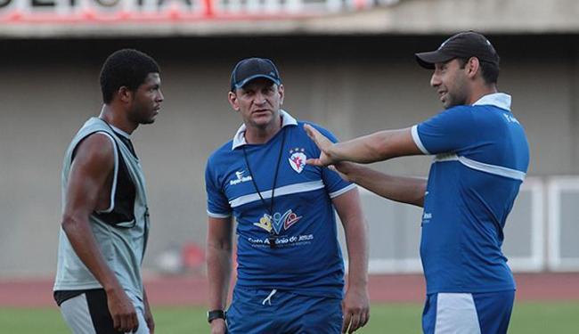 Técnico Luciano Silva não o embate com o tricolor - Foto: Lúcio Távora | Ag. A TARDE