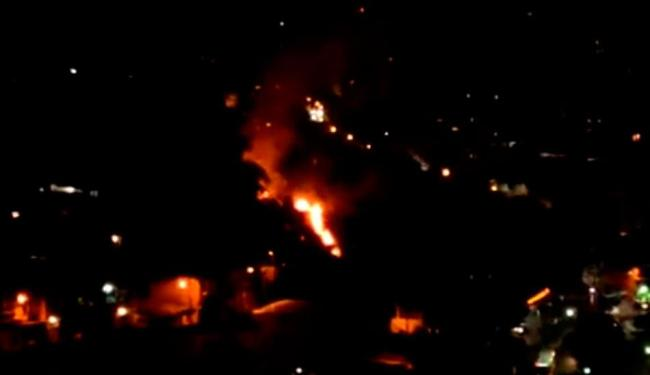 Morador da região registrou momento do incêndio - Foto: Reprodução   Youtube