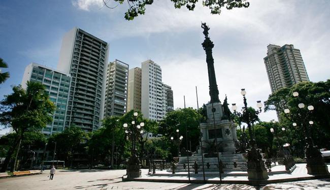 Proprietários de imóveis residenciais e não residenciais podem receber o benefício - Foto: Raul Spinassé   Ag. A TARDE