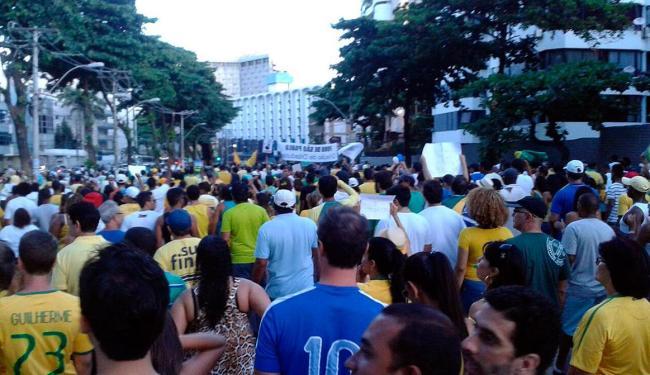 Durante a tarde, manifestantes finalizaram a caminhada em Ondina - Foto: André Souza | Cidadão Repórter