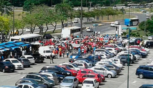 Manifestantes chegaram à Secretaria de Desenvolvimento e Urbanismo às 9 horas - Foto: Cidadão Repórter