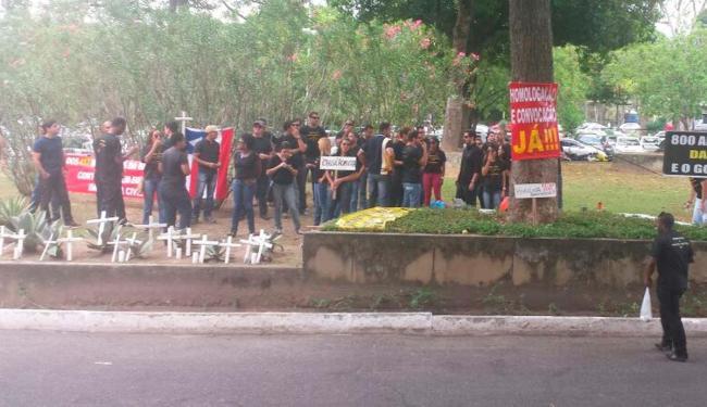 Manifestantes reivindicam homologação e convocação de aprovados em 2013 - Foto: Cidadão Repórter: Adriano Vaz