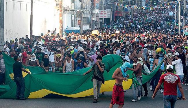 Manifestantes protestam na Joana Angélica, em 2013, ano em que milhares foram às ruas - Foto: Eduardo Martins l Ag. A TARDE