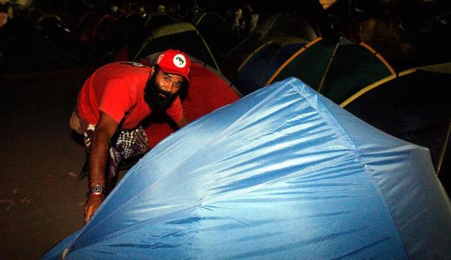 Integrantes do movimento levantaram acampamento na madrugada desta quarta - Foto: Luiz Tito | Ag. A TARDE