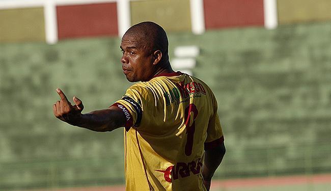 Nadson, ex-BaVi, já marcou 3 gols pela Jacuipense neste Baiano - Foto: Lúcio Távora   Ag. A TARDE