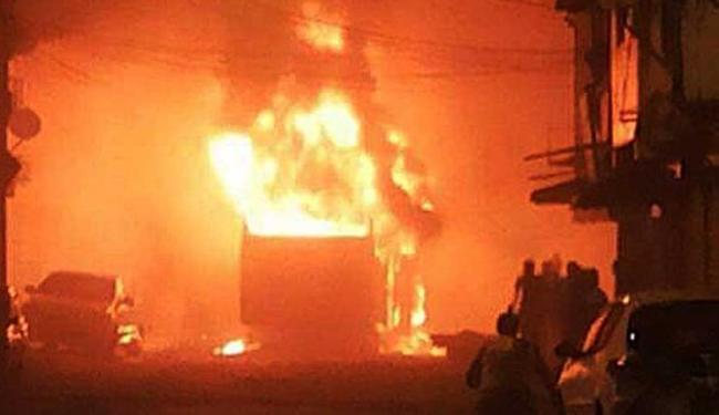 Medida foi tomada após ônibus ser incendiado em protesto - Foto: Adenilson Rocha | Foto do Internauta
