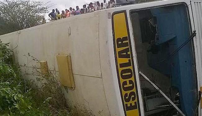 Motorista do ônibus perdeu o controle do veículo - Foto: Reprodução / Whatsapp