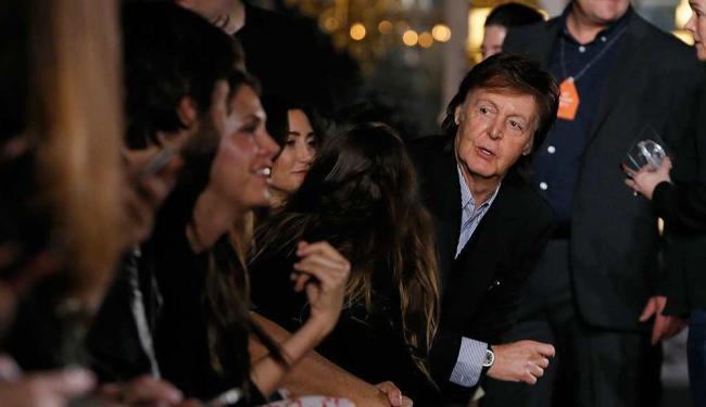 Paul durante o desfile de Stella McCartney na França - Foto: Gonzalo Fuentes | Agência Reuters