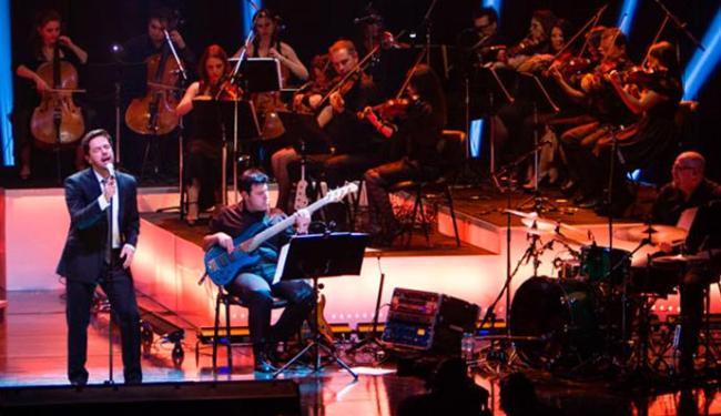 Pedro Mariano toca com orquestra formada por músicos das cidades onde acontecem os shows - Foto: Dani Gurgel | Divulgação