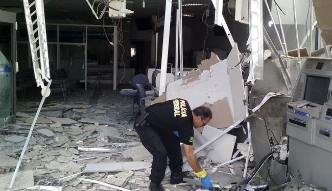 Agentes da Polícia Federal realizaram perícia na agência - Foto: Divulgação   PM