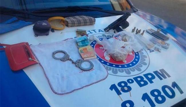 Materiais apreendidos com os quatro presos na ação - Foto: Divulgação   Polícia Militar