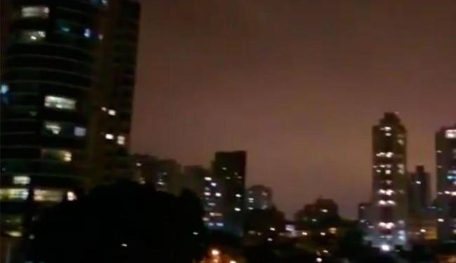 Soteropolitanos piscaram as luzes dos apartamentos em protesto contra Dilma - Foto: Reprodução   Youtube
