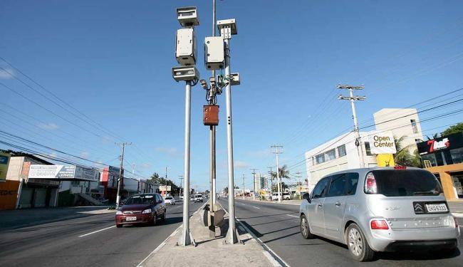 Aparelhos vão flagrar condutores que ultrapassarem 60 km/h - Foto: Mila Cordeiro | Ag. A TARDE