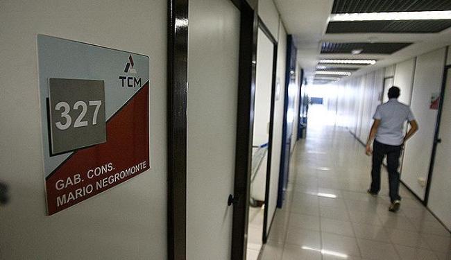 Sala de Negromonte continuará fechada nesta terça-feira porque ele estará em Brasília - Foto: Raul Spinassé | Ag. A TARDE