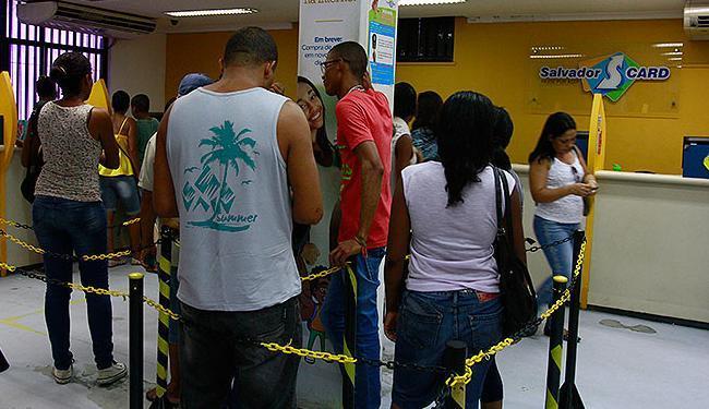 Setps diz que cerca de 80 mil pessoas ainda não foram revalidar o cartão - Foto: Edilson Lima | Ag. A TARDE
