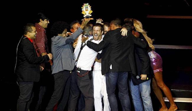 Artistas parabenizam Saulo, Melhor Cantor em 2014 - Foto: Eduardo Martins | Ag. A TARDE | 8.4.2014
