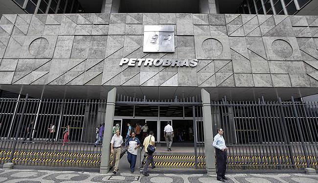 Situação da Petrobras e crise política e está entre os motivos - Foto: Bruno Domingos l Reuters