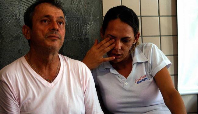 Ivan Fonseca e Leila Regina Almeida Fonseca permaneceram cerca de 10 horas como reféns - Foto: Luiz Tito | Ag. A TARDE