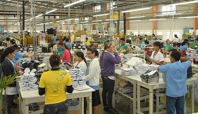 Setor calçadista emprega 50 mil pessoas hoje na Bahia - Foto: Nilton Gonzaga   Ag. A TARDE