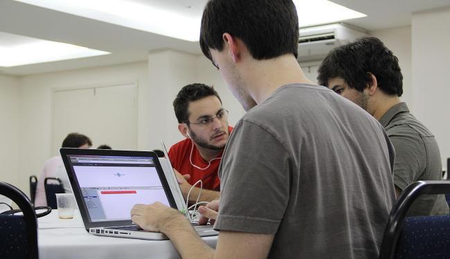 Jovens participam do Startup Weedend em Recife: evento apoia o empreendedorismo - Foto: Divulgação