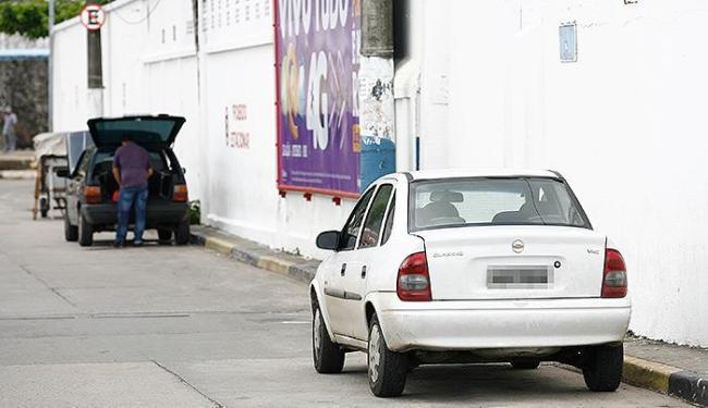 Clandestino estaciona próximo a terminal do ferry - Foto: Marco Aurélio Martins | Ag. A TARDE