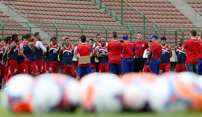 Reunião tricolor antes de treino em Pituaçu, na pré-temporada - Foto: Felipe Oliveira | Ag. A TARDE