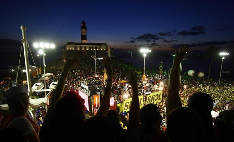 Carnaval será aberto oficialmente às 17 horas, na Barra - Foto: Fernando Vivas | Ag. A TARDE | 08.03.2011
