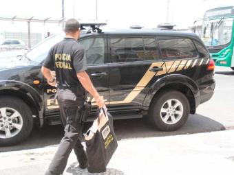 Operação conjunta apreendeu documentos e equipamentos utilizados na fraude - Foto: Edilson Lima | Ag. A TARDE