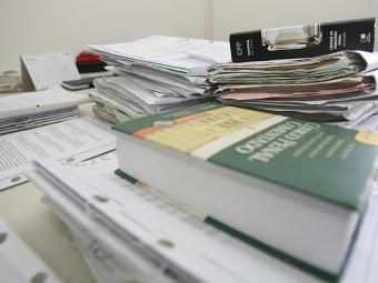 Estão sendo julgados processos que estão há cerca de cinco anos parados - Foto: Erik Salles   Ag. A TARDE   28.07.2011