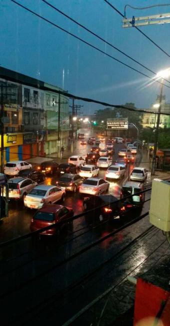 Assaltantes agem durante lentidão no trânsito - Foto: Foto de Adriana Oliveira I Cidadão Repórter