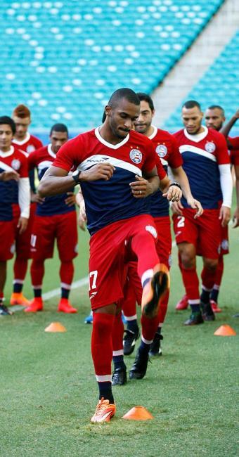 Patric (C) deve retornar ao time após dois jogos de fora por lesão - Foto: Adilton Venegeroles l Ag. A TARDE