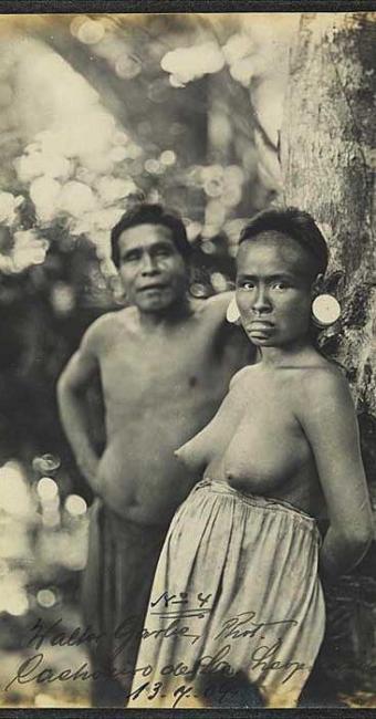 Foto foi bloqueada pelo Facebook por mostrar os seios da índia - Foto: Walter Garbe | Divulgação
