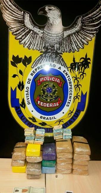 Na ação, os bandidos foram flagrados com mais de 18 kg de cocaína e quase 2 kg de maconha - Foto: Divulgação   Polícia Federal