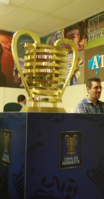 O campeão da Copa do Nordeste, assim como nas edições de 2014 e 2013, terá a posse defintiva da taça - Foto: Joá Souza | Ag. A TARDE